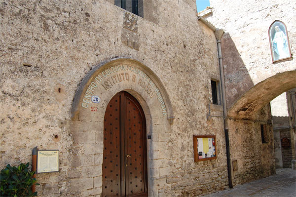 Centro Studi Scientifici Ettore Majorana